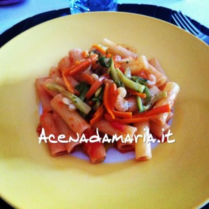 rigatoni_zucchine_carote_gamberetti