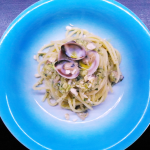 Pasta con pesto di zucchine e vongole